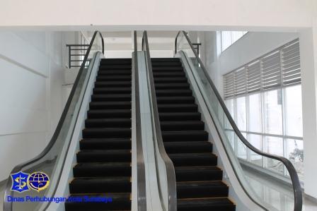 Purabaya eskalator 1